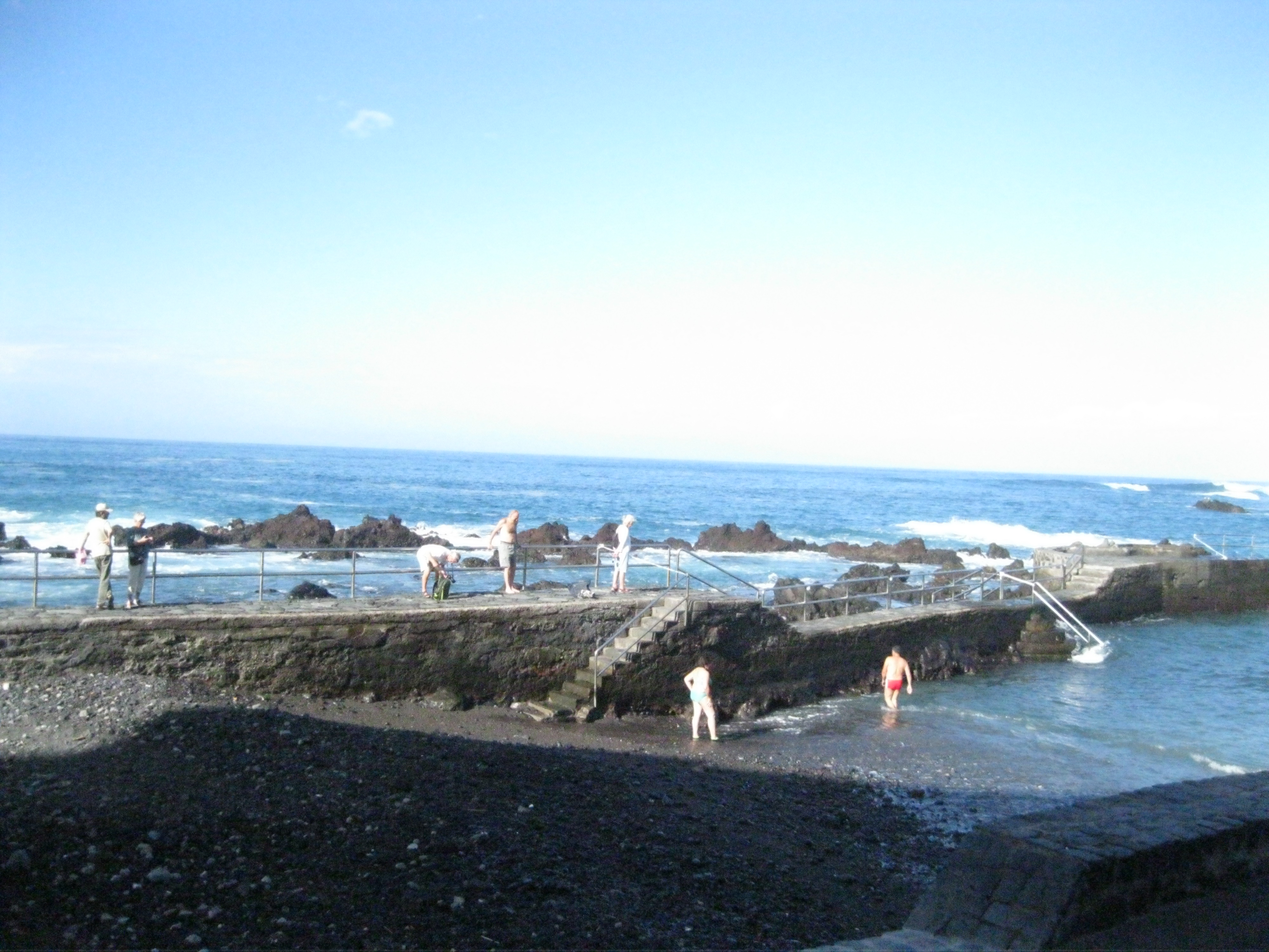 Malinká černá pláž San Telmo v Puertu